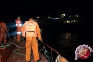 Basarnas Evakuasi Kapal Rusak Mesin Di Wakatobi