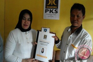Asmani Arif Daftar PKS Ikut Pilkada Kolaka