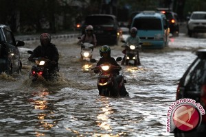 Komisi V DPR Perjuangkan Anggaran Penanganan Banjir Sultra