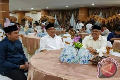 """Idul Fitri """"persatukan"""" Wali Kota Kendari-gubernur Sultra"""