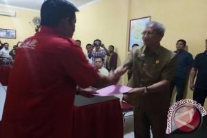 Lukman Abunawas Lengkapi Berkas Cagub PDIP