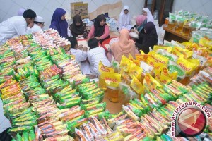 400 Dhuafa Di Baubau Terima Bantuan Sembako