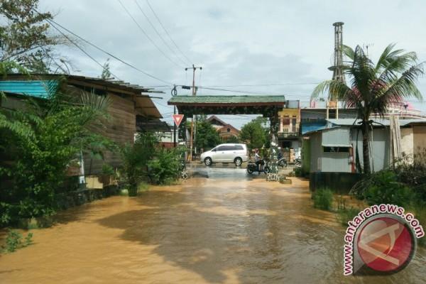 Banjir Kiriman Rendam Perumahan Mewah di Kendari