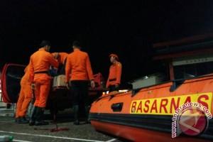SAR Kendari Selamatkan Empat Penumpnag Perahu Longboat