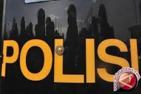 Polisi Menetapkan Lima Tersangka Proyek Pengadaan Bibit