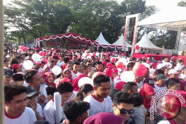 Ribuan Peserta Ikuti Jalan Sehat BUMN di Kendari