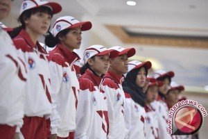 "Lepas Kontingen SEA Games, Jokowi Tunggu ""Indonesia Raya"" Berkumandang"