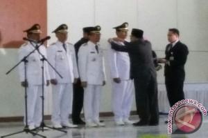 Plt Gubernur Lantik Dua Bupati di Sultra
