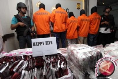 Polda Sultra Tahan 16 Tersangka Pengedar PCC