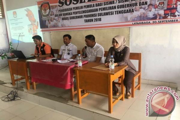 Sosialisasi Pemilih Pemula KPU Kolaka Kunjungi Sekolah