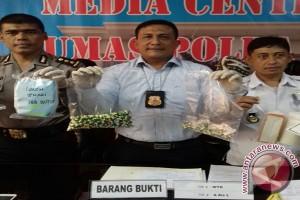 Polisi Tangkap Delapan Tersangka Pengedar Obat PCC