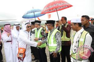 Sekda Sultra Sambut Kedatangan Jamaah Haji