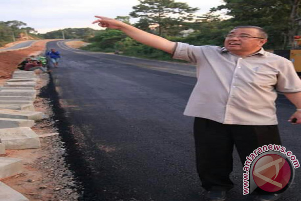Kendari Habiskan Rp72 Miliar Pengaspalan Jalan Lingkungan