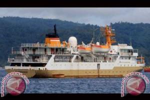 Tingkatkan Konektivtas Antarwilayah, Pelni Operasikan KFC Jetliner ke Raha