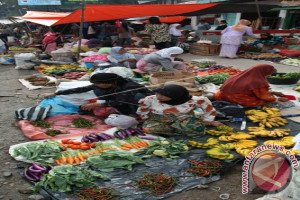 Tiga Pasar Tradisional Kolaka Terima Bantuan