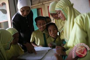 Sultra Terima 12 Guru Daerah Terpencil