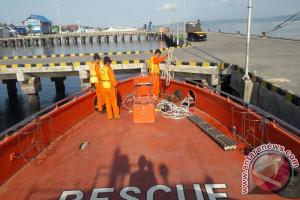 Basarnas Evakuasi Km Armada di Perairan Kadatua