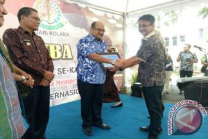 PWI Beri Penghargaan Kajari Kolaka Hari Antikorupsi