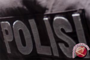 Polisi bongkar makam janin korban aborsi di Kendari