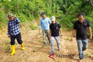 Bupati Konawe Selatan tinjau progres proyek infrastruktur
