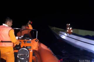 Basarnas evakuasi kapal mati mesin di Wakatobi