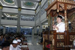 Gubernur Sultra ajak jamaah tarawih lawan radikalisme