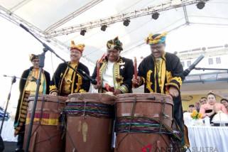 Gubernur resmikan festival