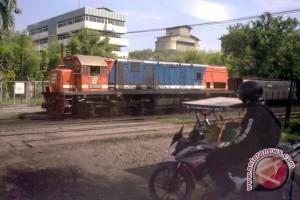 Kereta Api Babaranjang anjlok tewaskan satu orang