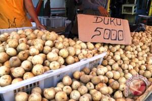 Pasokan buah duku di Palembang mulai berkurang