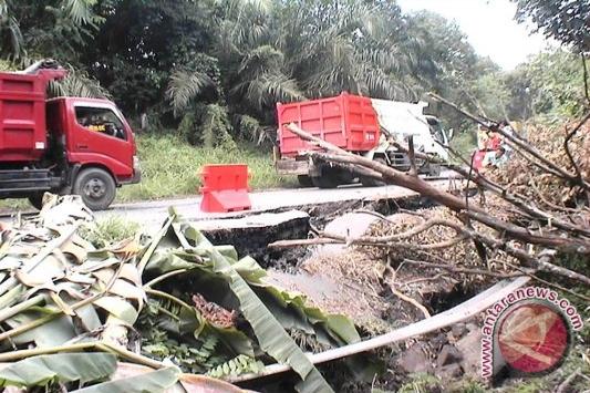 Mukomuko Bengkulu berlakukan tanggap darurat Jalinbar