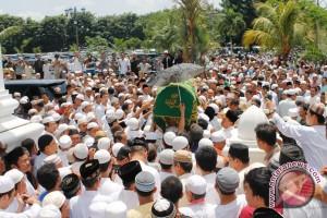 Ulama besar Sumsel Abah Zen dimakamkan