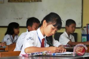 Ratusan Siswa SD tulis surat untuk Presiden