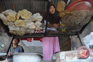 """Melirik kampung """"kemplang bakar"""" di Palembang"""