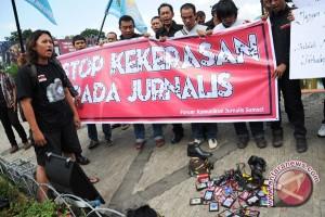 Jurnalis Makassar kecam pembakaran Palopo Pos