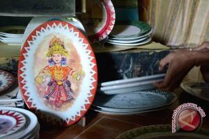Lukisan piring dipamerkan pada HUT Palembang