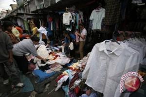 Pedagang pakaian keluhkan penjualan menurun drastis