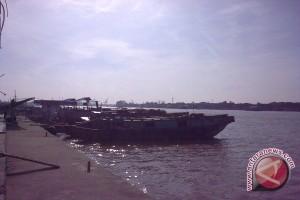 Cuaca perairan Lampung berpeluang hujan