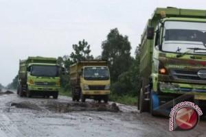 Legislator Sumsel berharap jalan TAA segera diperbaiki