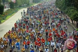 Gubernur bersepeda menuju kawasan Jakabaring