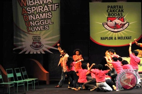 Anak-anak gang dolly pentas teater