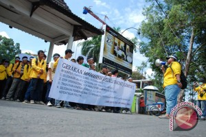 Mantan rektor protes kebijakan Unila