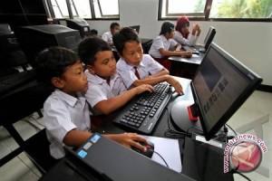 Menjaga anak dari pengaruh buruk internet