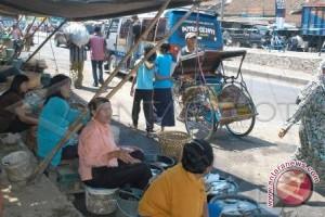 Pasar tradisional sumber kemacetan lalu lintas kendaraan