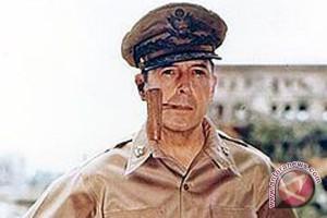 Nostalgia anak cucu Jenderal MacArthur