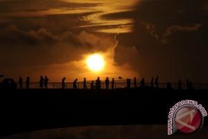 Sunrise jembatan Ampera