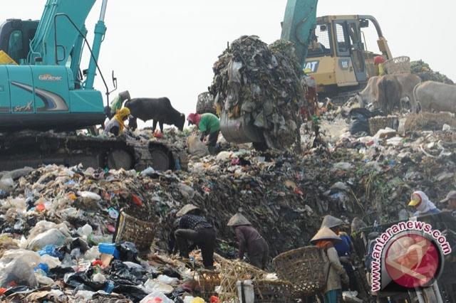 Korban  jiwa akibat sampah longsor 26 orang