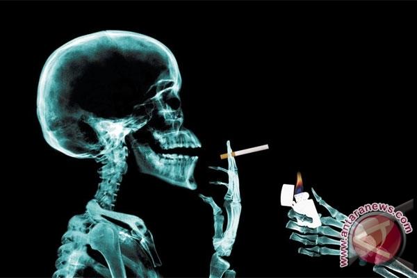 Kerugian akibat merokok mencapai 1 triliun dolar per tahun