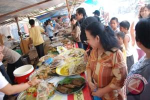 Omzet pedagang makanan meningkat