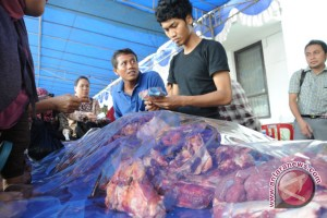 Bulog gelar operasi pasar daging di Palembang
