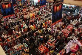 Warga ramai kunjungi Transmart Palembang